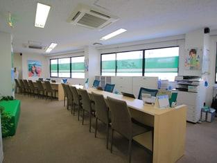 エイブル成増店の接客写真