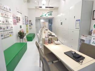 エイブル高田馬場店の内観写真