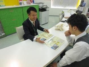 エイブル阪急茨木店の接客写真