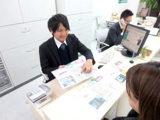 エイブル野田阪神店の接客写真