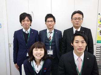 エイブル阪急十三店のスタッフ写真