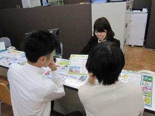 エイブル豊田店の接客写真