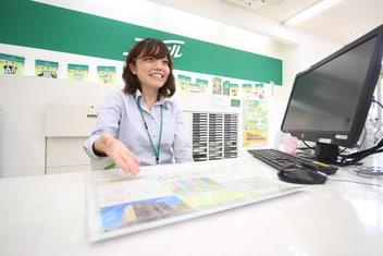 エイブル桜山店の接客写真