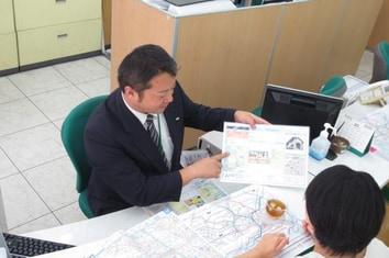 エイブル新大塚店の接客写真