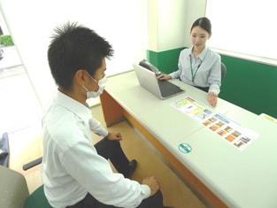 エイブル南浦和西口店の接客写真