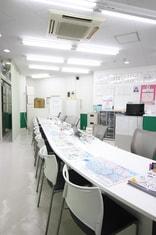 エイブル新越谷駅前店の内観写真