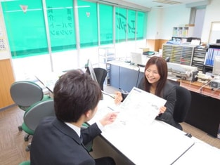 エイブル茅ヶ崎店の接客写真