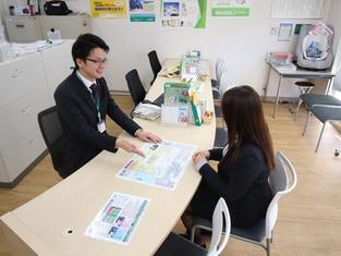 エイブル二俣川店の接客写真