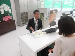 エイブル武蔵小杉店の接客写真