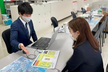 エイブル平塚店の接客写真