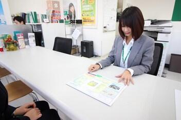 エイブル稲田堤店の接客写真
