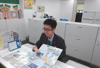 エイブル川崎西口店の接客写真