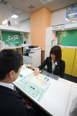 エイブル小田急相模原店の接客写真