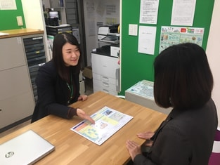 エイブル長津田店の接客写真