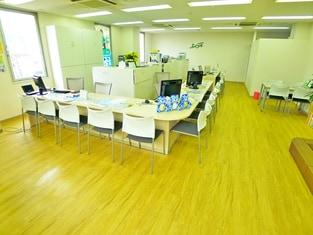 エイブル本八幡店の内観写真