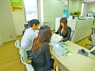 エイブル本八幡店の接客写真