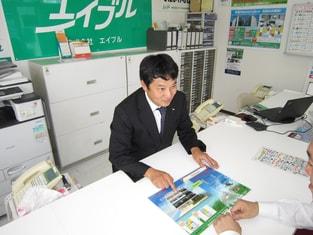 エイブル深江橋店の接客写真