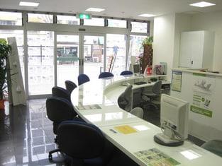 エイブル六本松店の内観写真