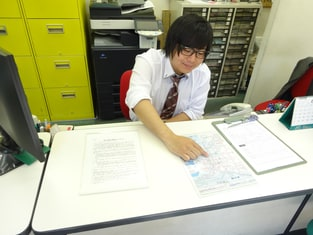エイブルネットワーク福島店の接客写真