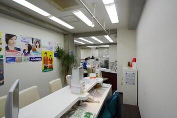 エイブルネットワーク浅草店の接客写真