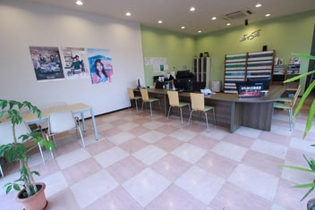 エイブルネットワーク東岡山店の内観写真