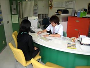 エイブルネットワーク千代田店の接客写真