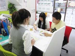 エイブルネットワーク茂原駅前店の接客写真