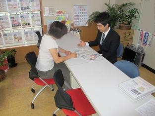 エイブルネットワーク徳島西店の接客写真