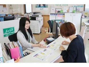 エイブルネットワーク大村店の接客写真