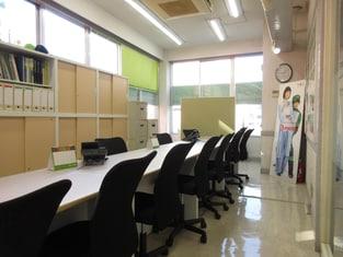 エイブルネットワーク津駅前店の内観写真
