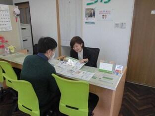 エイブルネットワーク福島北店の接客写真