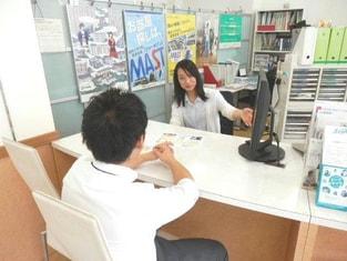 エイブルネットワーク佐賀中央店の接客写真