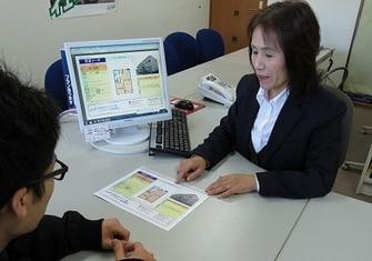 エイブルネットワーク新倉敷店の接客写真