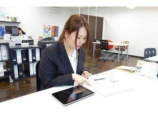 エイブルネットワーク近江八幡中央店の接客写真