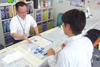エイブルネットワーク岐阜西店の接客写真