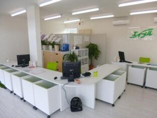 エイブルネットワーク東長崎店の内観写真