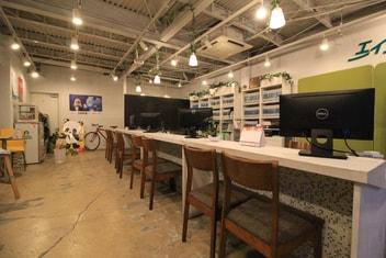 エイブルネットワーク岡山中央店の接客写真