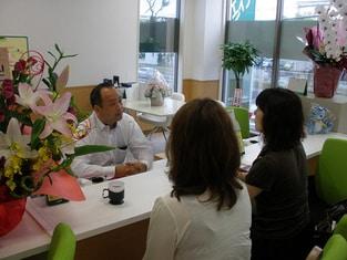 エイブルネットワーク多賀城店の接客写真