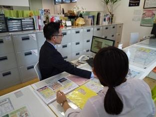 エイブルネットワーク勝川店の接客写真