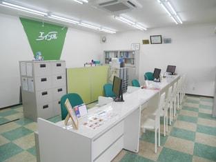 エイブルネットワーク四日市中央店の内観写真
