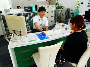 エイブルネットワーク須坂店の接客写真