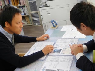 エイブルネットワーク姫路駅西店の接客写真