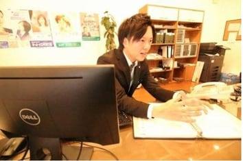エイブルネットワーク高松レインボー店の接客写真