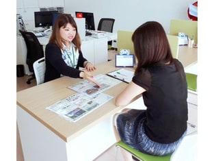 エイブルネットワーク石垣島店の接客写真