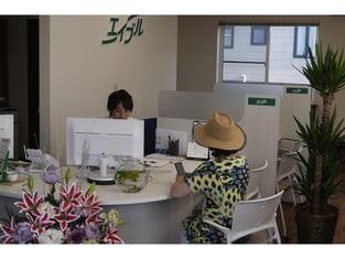 エイブルネットワーク旭川豊岡店の接客写真