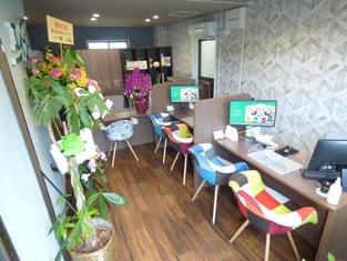 エイブルネットワーク須磨店の接客写真